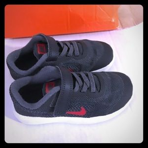 Nike revolution 3 toddler sneaker Sz.9